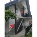 prodajem trosoban stan u potkrovlju kuce