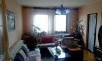 Prodajem 2,5 soban stan od 76 m2 Bulevar Nemanjića!