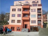 Prodajem dva jednoiposobna stana u Rakovici