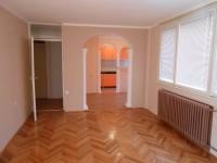 1,5 stan od 51 m2 na I spratu početak Bulevara – Niš!!!