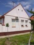 Seoska kuća u centru Melenaca kod Banje Rusanda