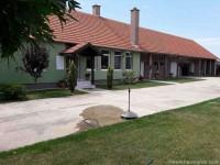 Prelepa LUX kuća u Perlezu