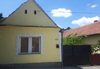 Jednospratna kuća u blizini centra Sremskih Karlovca
