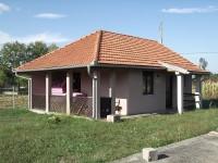 Prodajem kucu u okolini Cacka