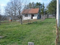 Prodaje se vikend kuća 34m2 u Velikom Borku, Barajevo + pomocna zgrada 20m2 + plac 25ari