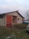 KUCA U LESKOVCU 350 M2