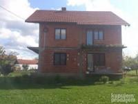 Prodajem kucu u Kragujevcu