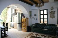 Castelnuovo-Citta vecchia-Case del capitano