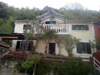 Izdajem apartmane u Kamenarima u Crnoj Gori