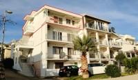 Prodajem stan u Baru (Šušanj) sa pogledom na more, 100m od obale.