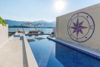 Luksuzna vila na prvoj liniji do mora, sa pontom i bazenom, Obala Djurasevica
